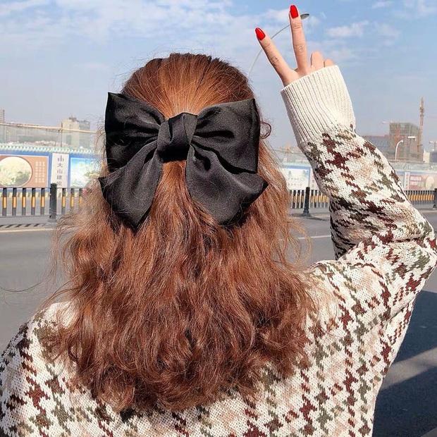 Lan Ngọc thành fan cứng của BLACKPINK rồi: Hết diện kính Jennie lại làm tóc giống Jisoo như chị em - Ảnh 8.
