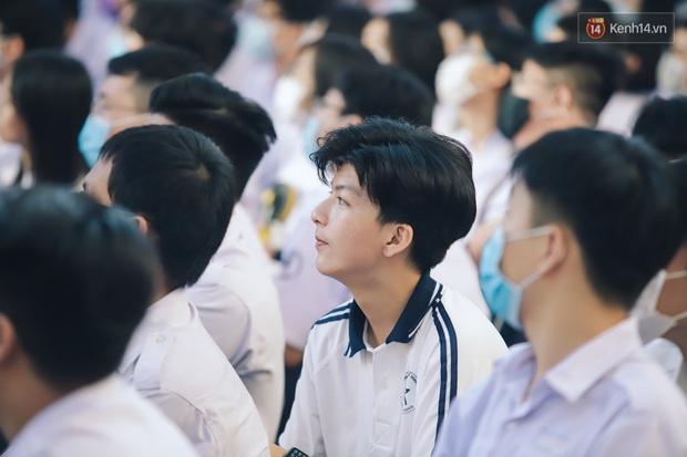 Loạt visual gây thương nhớ trong ngày khai giảng của trường THPT chuyên Trần Đại Nghĩa - Ảnh 10.