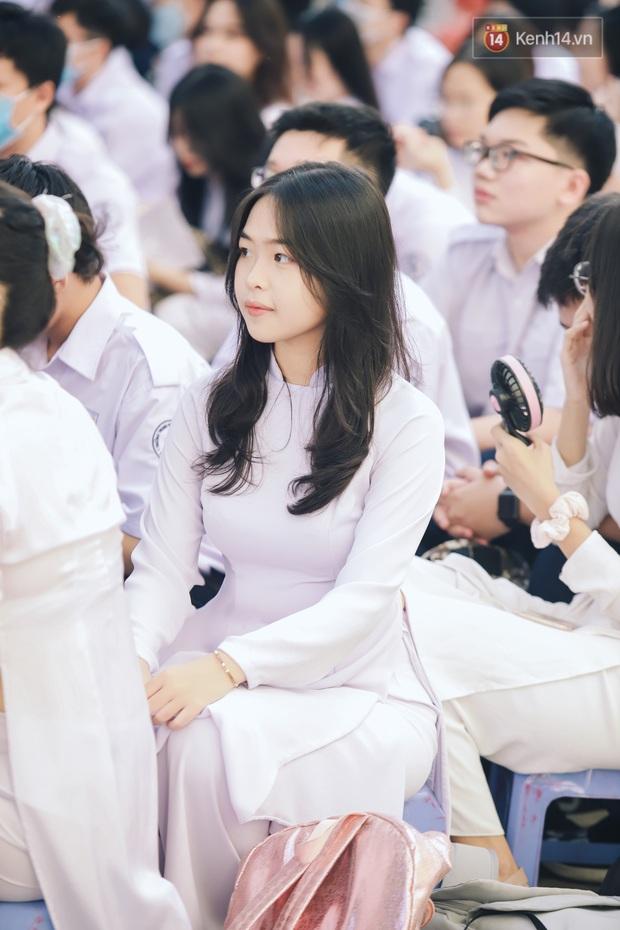 Loạt visual gây thương nhớ trong ngày khai giảng của trường THPT chuyên Trần Đại Nghĩa - Ảnh 3.