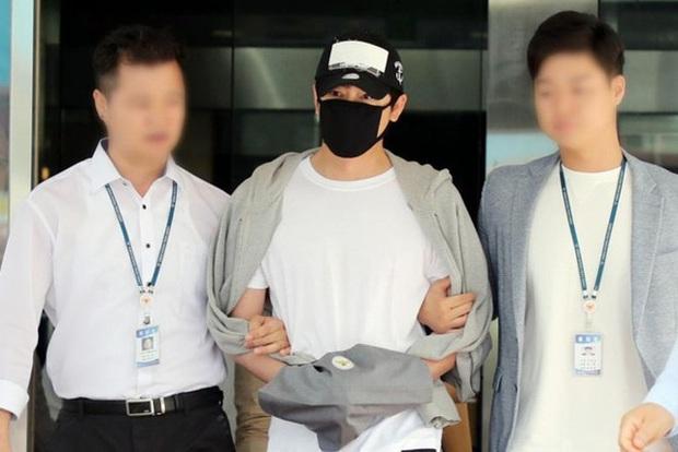 Nam diễn viên Kang Ji Hwan bị nhà đài cấm sóng tạm thời sau khi thừa nhận cáo buộc hiếp dâm tập thể - Ảnh 3.