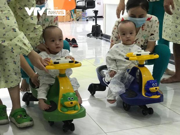 Chị em Song Nhi rủ nhau đua xe, bắt đầu những bài học đầu tiên - Ảnh 2.