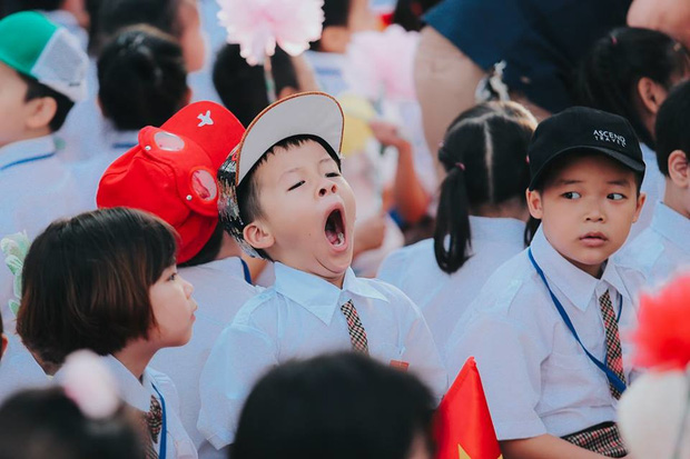 Sự thật về chùm ảnh học sinh ngáp ngắn ngáp dài trong lễ khai giảng đang được share rầm rộ - Ảnh 4.