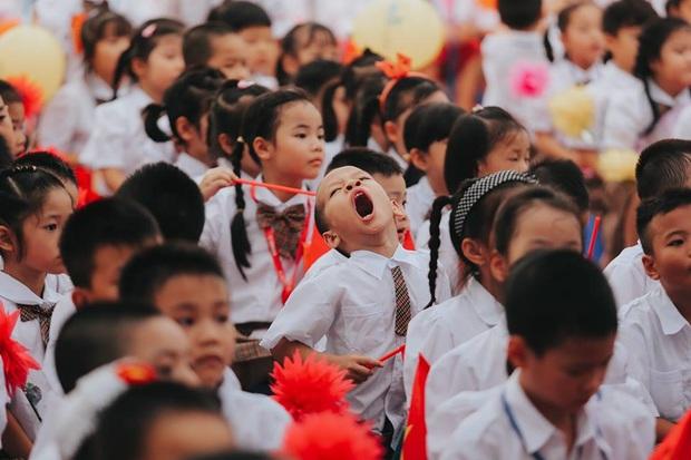 Sự thật về chùm ảnh học sinh ngáp ngắn ngáp dài trong lễ khai giảng đang được share rầm rộ - Ảnh 6.