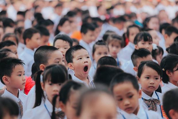 Sự thật về chùm ảnh học sinh ngáp ngắn ngáp dài trong lễ khai giảng đang được share rầm rộ - Ảnh 8.