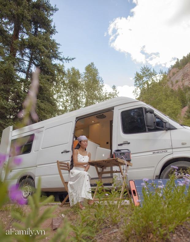 Đôi vợ chồng người Việt đầu tư gần 600 triệu đồng mua chiếc xe Van, tự xây bếp và phòng ngủ rồi đưa nhau đi khắp nước Mỹ, mỗi sáng thức dậy là một view khác nhau - Ảnh 2.
