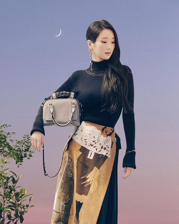Đụng váy với Seo Ye Ji, Dương Mịch đã gặp kỳ phùng địch thủ: Bị lấn át hoàn toàn về độ sang chảnh - Ảnh 4.