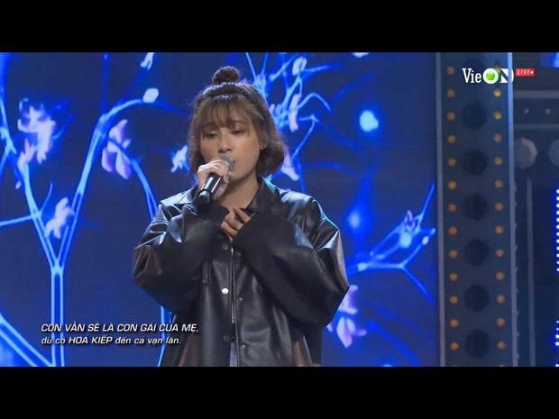 Viết rap về người mẹ bị ung thư trên nền nhạc Phan Mạnh Quỳnh, thí sinh Rap Việt khiến Trấn Thành bật khóc - Ảnh 2.