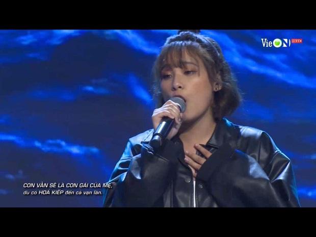 Viết rap về người mẹ bị ung thư trên nền nhạc Phan Mạnh Quỳnh, thí sinh Rap Việt khiến Trấn Thành bật khóc - Ảnh 5.