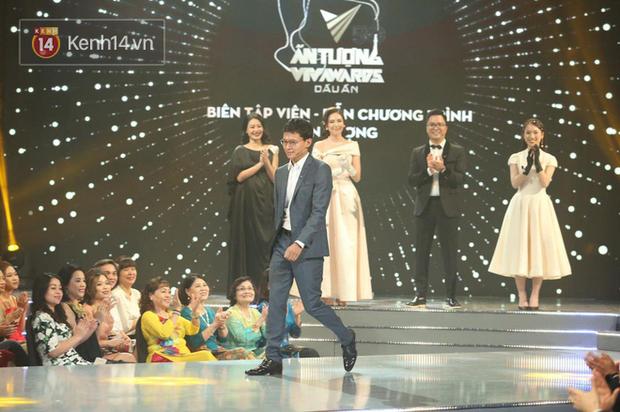 Việt Hoàng - BTV mặn nhất VTV giành giải Dẫn chương trình ấn tượng của năm - Ảnh 3.