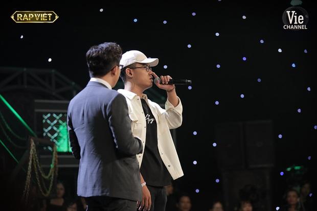 Anh Tú The Voice được khen tới tấp vì làm sống lại hit Đôi Mắt ở Rap Việt, còn quẩy hết mình khi thí sinh được chọn - Ảnh 3.