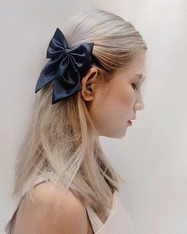 Lan Ngọc thành fan cứng của BLACKPINK rồi: Hết diện kính Jennie lại làm tóc giống Jisoo như chị em - Ảnh 6.