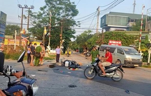 Hà Nội: Công an truy tìm tài xế ô tô gây tai nạn bỏ trốn, kêu gọi người dân cung cấp camera hành trình - Ảnh 1.
