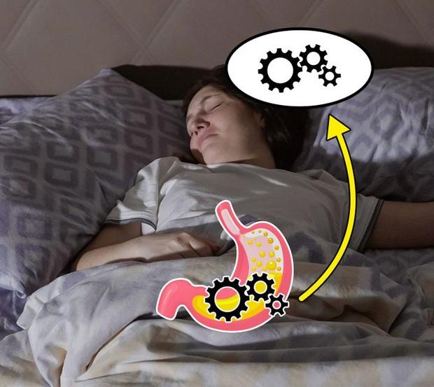 Đi ngủ ngay sau khi ăn có thể khiến bạn gặp phải 5 vấn đề xấu cho sức khỏe - Ảnh 3.