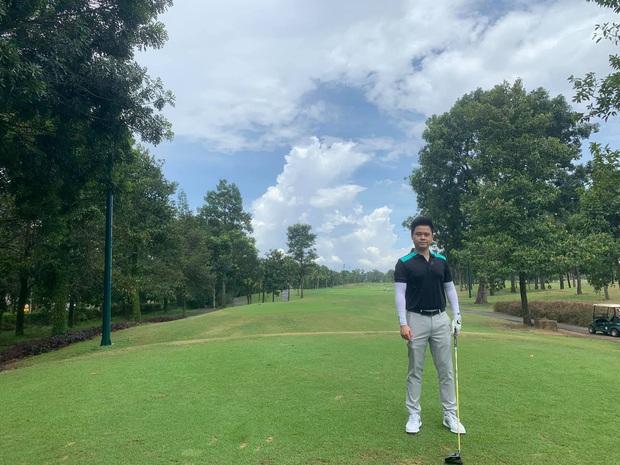 Từ Phillip Nguyễn đến Matt Liu, chàng đại gia nào cũng check-in mòn giày trên sân golf cả rồi - Ảnh 18.