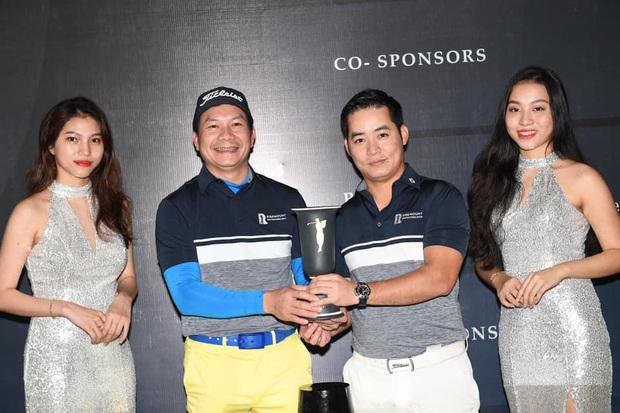 Từ Phillip Nguyễn đến Matt Liu, chàng đại gia nào cũng check-in mòn giày trên sân golf cả rồi - Ảnh 16.