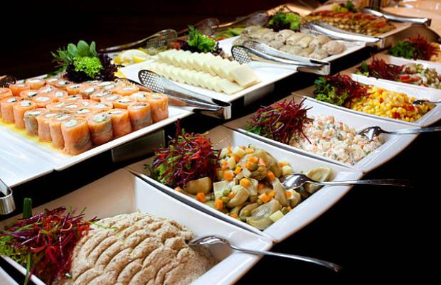 5 tâm lý ăn buffet xấu xí của khách hàng khiến nhà hàng tổn thất  - Ảnh 1.