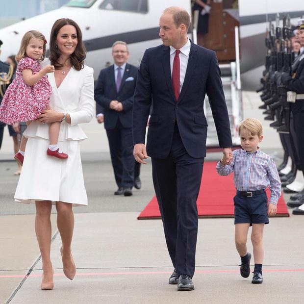 10 quy tắc siêu nghiêm ngặt mà trẻ em Hoàng gia Anh phải tuân thủ, đảm bảo ai nghe cũng muốn vò đầu bứt tai - Ảnh 6.