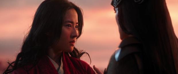 Từ hoạt hình Mulan đến bản người đóng: Lưu Diệc Phi được bơm thành... phù thủy đam mê nữ quyền? - Ảnh 20.
