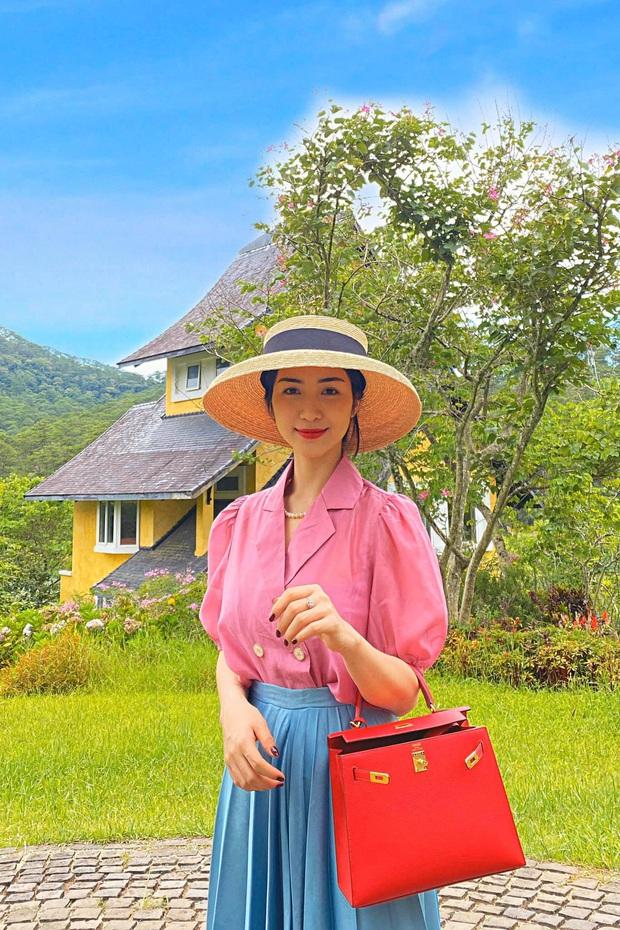 """Mới năm ngoái còn thanh lý túi hiệu để làm MV, năm nay Hòa Minzy đã sắm hẳn 3 túi Hermès và loạt """"bé iu"""" đắt tiền khác - Ảnh 3."""