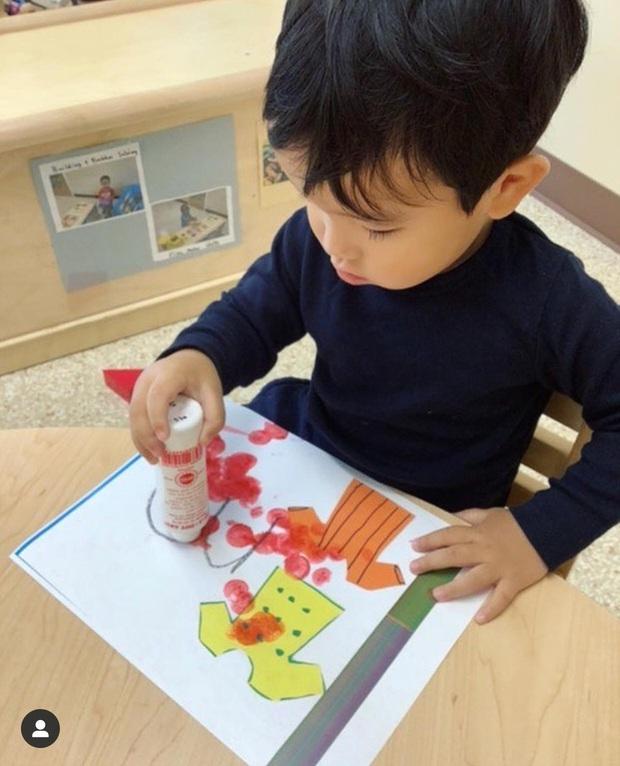 Phạm Hương khoe con trai hơn 1 tuổi đã biết viết thiệp tặng mẹ, nhìn thành quả mới... ngã ngửa - Ảnh 4.