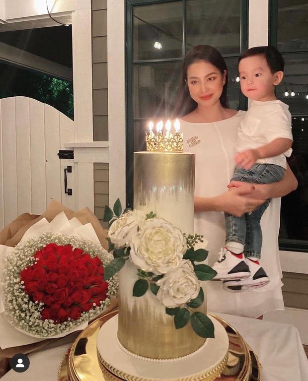 Phạm Hương khoe con trai hơn 1 tuổi đã biết viết thiệp tặng mẹ, nhìn thành quả mới... ngã ngửa - Ảnh 6.