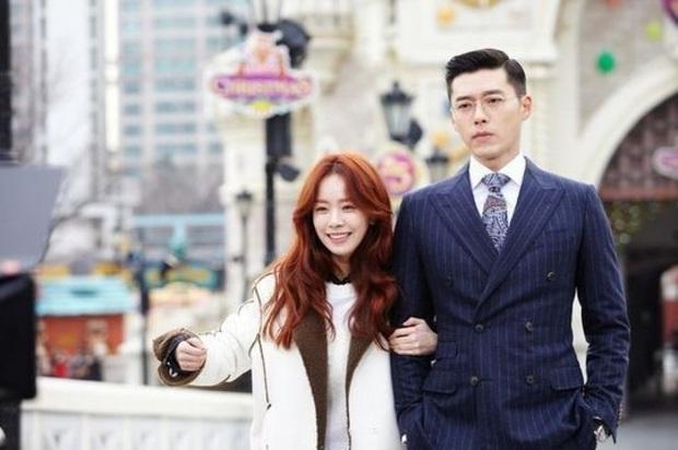 Soi cách Hyun Bin phân biệt đối xử với 2 tình màn ảnh: Cực phũ khi Han Ji Min động chạm, nhưng với Son Ye Jin thì khác hẳn? - Ảnh 2.
