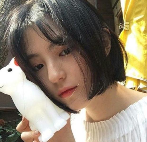 Đào lại ảnh tiểu tam hot nhất xứ Hàn Han So Hee xuống tóc: Knet phải nức nở khen nữ thần, còn giống thiên tài nhà JYP - Ảnh 2.