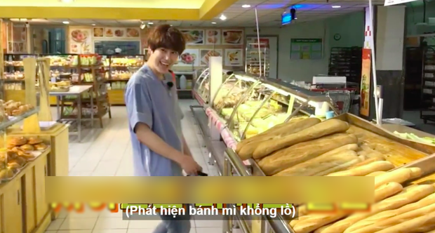 Netizens cười ngất với chiếc bánh mì khổng lồ nam idol người Hàn được tặng dịp sinh nhật, tưởng đâu mua ở Big C Việt Nam - Ảnh 4.