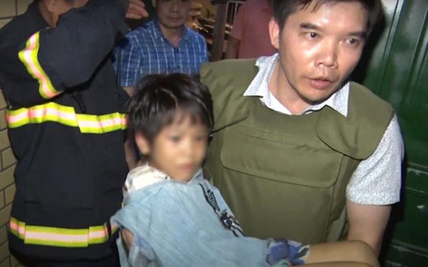 Vụ bé gái 6 tuổi ở Bắc Ninh bị bạo hành dã man: Tạm giữ hình sự tình nhân của người bố - Ảnh 1.