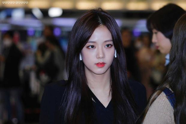 MXH Hàn náo loạn vì bộ sưu tập ảnh chỉ khoe... tóc của Jisoo (BLACKPINK), có gì đặc biệt mà Knet khó tính cũng phải mê mẩn? - Ảnh 15.