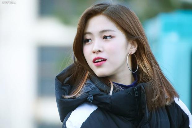 Đào lại ảnh tiểu tam hot nhất xứ Hàn Han So Hee xuống tóc: Knet phải nức nở khen nữ thần, còn giống thiên tài nhà JYP - Ảnh 8.