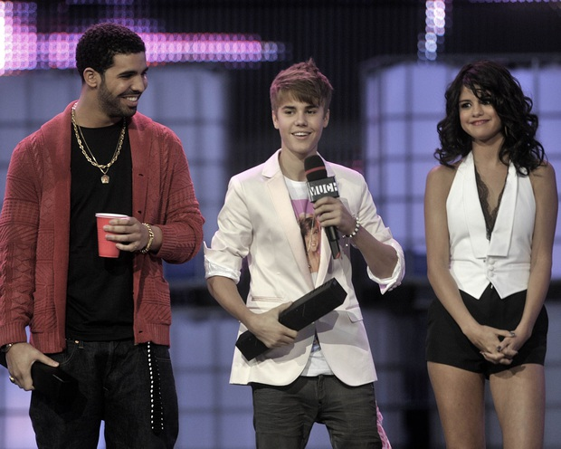 Rộ tin Selena Gomez âm mưu đòi xuất hiện cùng Justin Bieber trong MV của Drake để tiếp cận dù tình cũ đã có vợ - Ảnh 2.