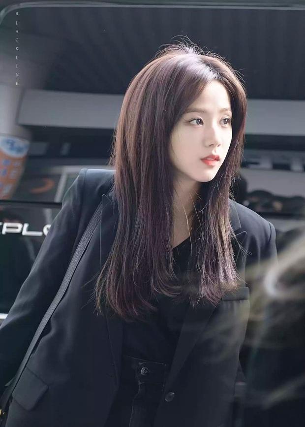 MXH Hàn náo loạn vì bộ sưu tập ảnh chỉ khoe... tóc của Jisoo (BLACKPINK), có gì đặc biệt mà Knet khó tính cũng phải mê mẩn? - Ảnh 14.