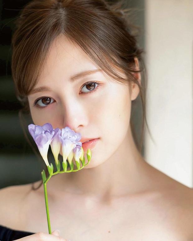 Phụ nữ Nhật chăm làm sạch bằng dầu hơn là nước tẩy trang: Hóa ra công đoạn hồi sinh làn da bắt đầu từ đây - Ảnh 1.