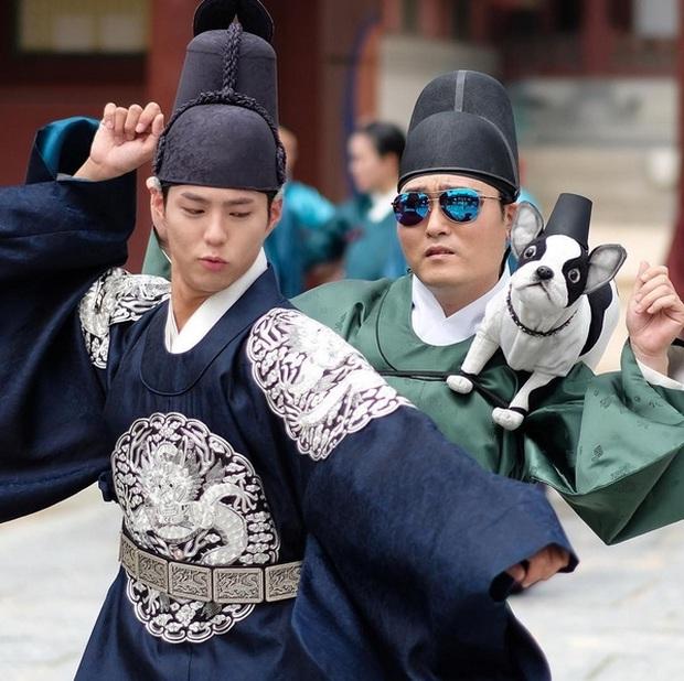 Nhất quỷ nhì ma, thứ ba là diễn viên ở hậu trường phim Hàn: Từ chúa diễn nhây đến thánh tấu hài đều tụ đủ - Ảnh 11.