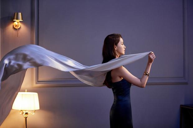 Yoona thăng cấp từ nữ thần lên bà hoàng: Vừa tạm biệt hãng mỹ phẩm bình dân đã thành nàng thơ cho hãng hi-end - Ảnh 7.