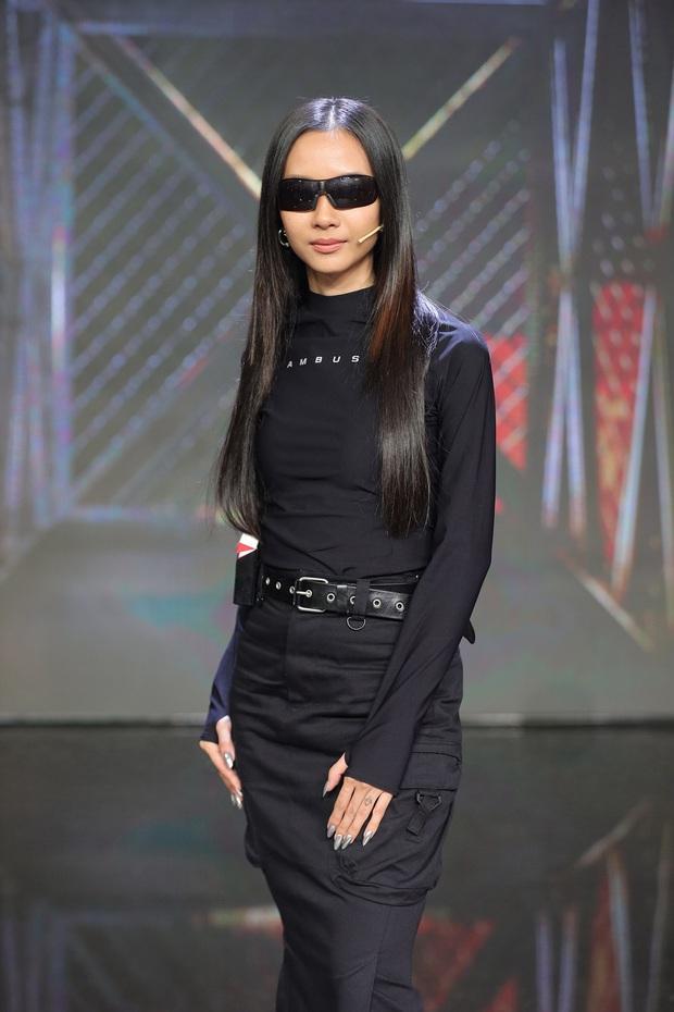 Suboi bất ngờ đụng độ Lisa: Nữ hoàng Rap Việt da nâu bao ngầu, Lisa da trắng nõn kiêu sa - Ảnh 6.