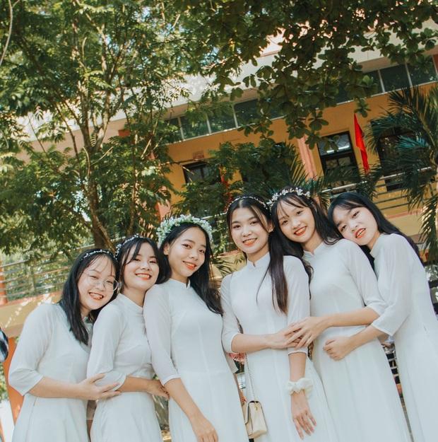Lớp học ở Ninh Bình với 100% gái xinh, mấy anh chàng lớp bên cứ gọi là 5 phút ghé qua một lần để ngắm trộm  - Ảnh 5.