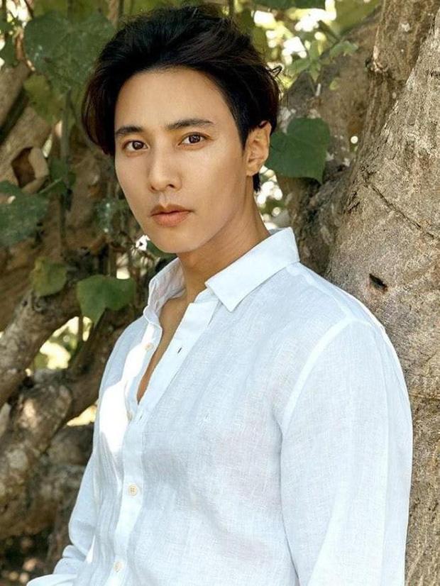 Giới mày râu chọn ra Top sao nam đẹp trai nhất Hàn Quốc: Won Bin ở ẩn vẫn đè bẹp Hyun Bin, bất ngờ tài tử No.1 suốt 3 năm - Ảnh 9.