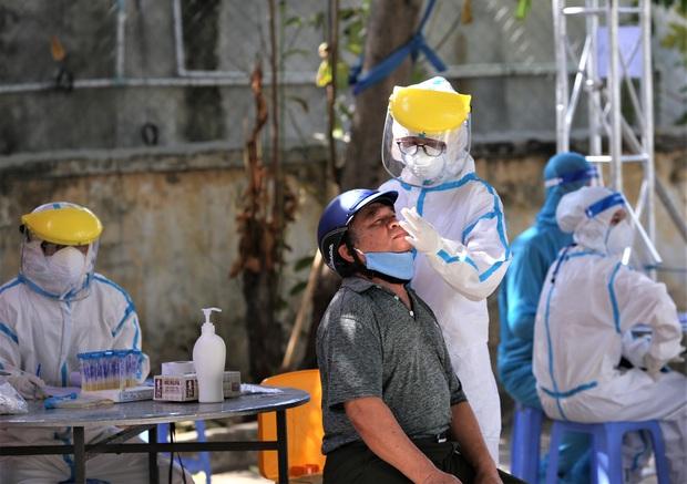 Ngày thứ 12 liên tiếp Đà Nẵng không có ca nhiễm nCoV trong cộng đồng, vùng cách ly y tế cuối cùng được dở bỏ - Ảnh 3.