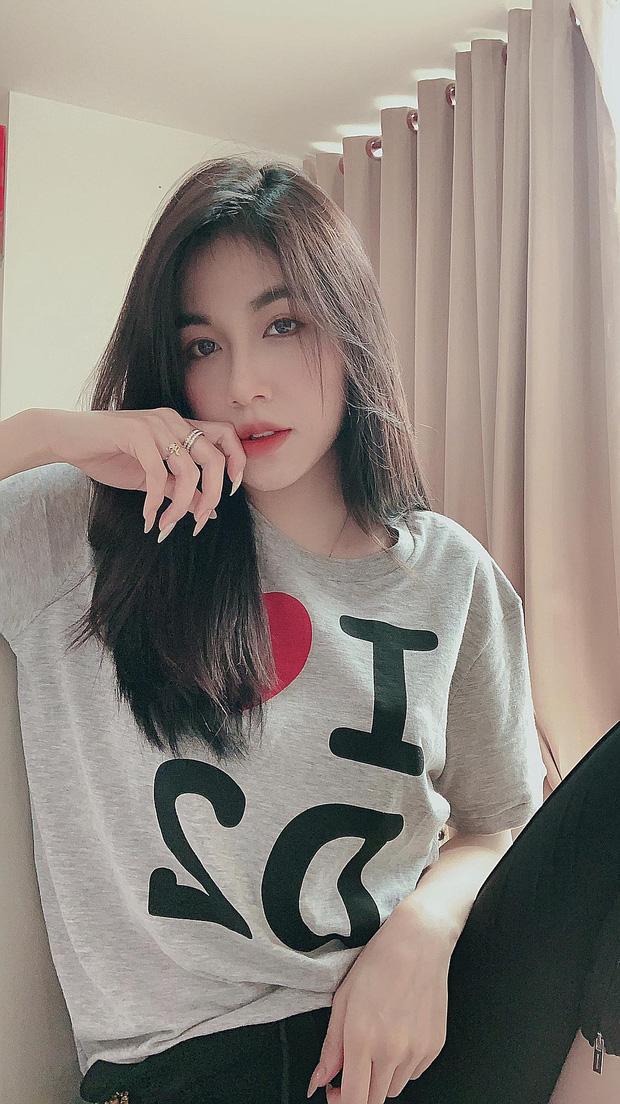 Soi profile hot girl bánh tráng đánh gục trái tim Rambo Cao Lãnh, lớn hơn 2 tuổi, rất trẻ trung nhưng cũng cực kỳ quyến rũ - Ảnh 5.