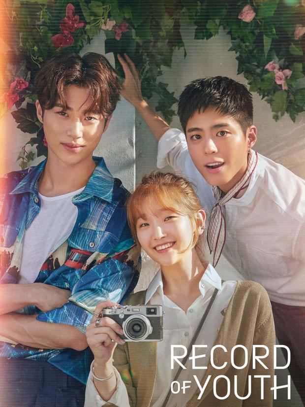 4 lý do xem gấp Record of Youth: Park Bo Gum dùng bùa visual bảo kê, lại thêm phản ứng hoá học hơi bị đỉnh nha! - Ảnh 1.