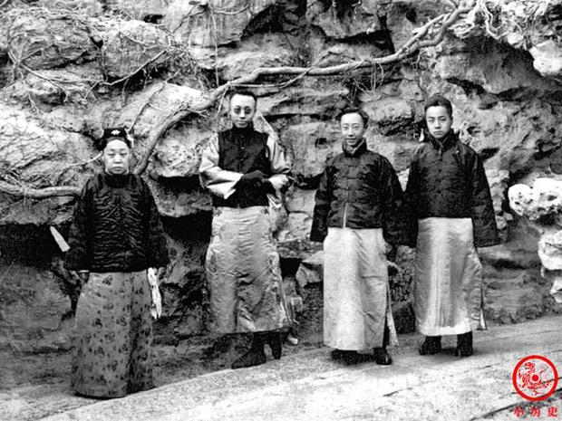 Loạt ảnh cũ về hậu cung của Hoàng đế Quang Tự triều nhà Thanh: Hoàng hậu lưng gù, phi tần có vóc dáng mũm mĩm - Ảnh 8.