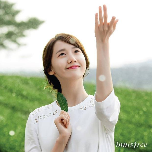 Yoona đã từ em gái quốc dân lên bà hoàng như thế nào? Xem lại 3 thời kỳ làm nàng thơ quảng cáo của cô thì rõ - Ảnh 8.