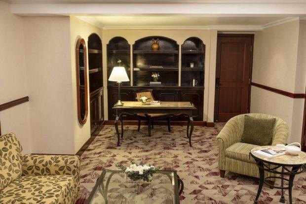 Những khách sạn nổi tiếng ở Việt Nam có phòng tổng thống gây choáng ngợp, giới siêu giàu có tiền cũng chưa chắc được trải nghiệm - Ảnh 9.