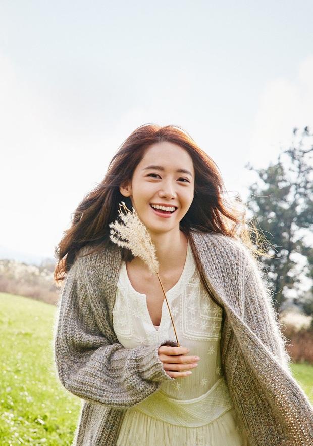 Yoona đã từ em gái quốc dân lên bà hoàng như thế nào? Xem lại 3 thời kỳ làm nàng thơ quảng cáo của cô thì rõ - Ảnh 9.
