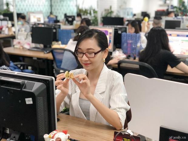 Xuất hiện bánh Trung thu nhân ô mai chua ngọt: người thì khen ổn, người lại chê vị trái ngang và đắt quá - Ảnh 8.