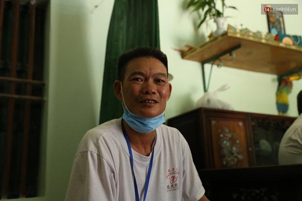 Một ngày theo xe cứu thương miễn phí của ông Đoàn Ngọc Hải: Tôi chẳng có gì hạnh phúc đâu, bệnh nhân chịu bao đau đớn thì mình hạnh phúc làm sao được - Ảnh 6.