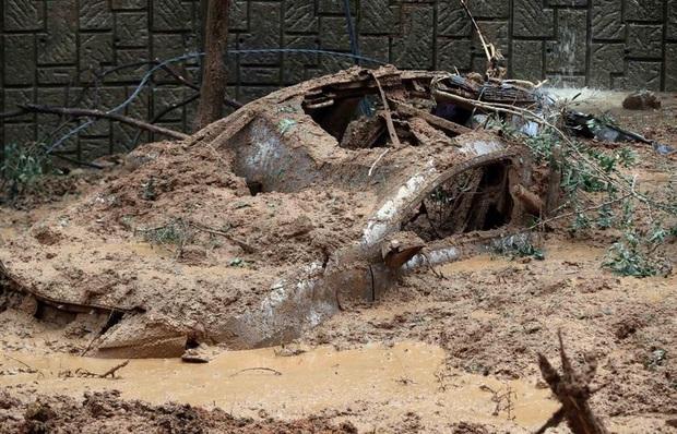Chùm ảnh về siêu bão Haishen mạnh kỷ lục càn quét Nhật Bản và Hàn Quốc: Cuồng phong đi qua, còn hoang tàn ở lại - Ảnh 7.
