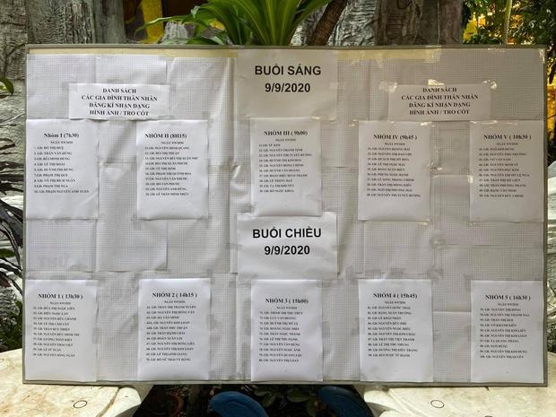 """Người dân đến chùa nhận dạng tro cốt tại chùa Kỳ Quang 2: """"Tôi vỡ oà vui sướng khi tìm được hũ cốt của người thân"""" - Ảnh 3."""